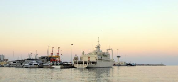 kapal di pelabuhan Sultan Qaboos, Muttrah
