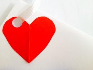 merah hati, hati merah