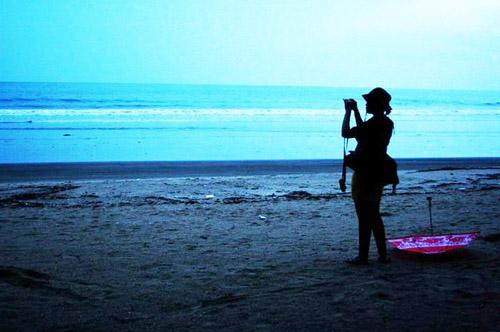 turis  di pantai Kuta