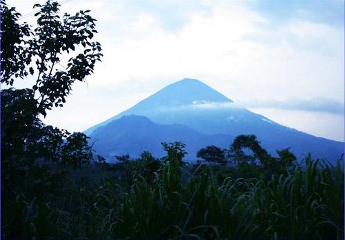 6 gunung agung