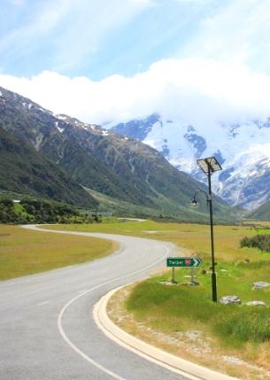 Jalan ke Mount Cook