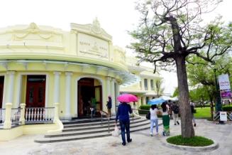 34 queen sirikit museum