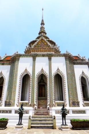 subsidiary building