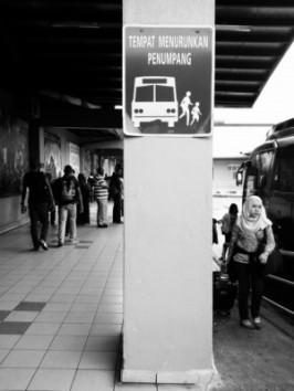 tempat-menurunkan-penumpang.jpg.jpeg