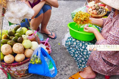 Penjaja Rujak Vietnam Pinggir Jalan