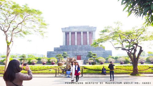 mausoleum uncle ho