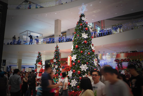 Giant christmas tree. Wajib hukumnya...