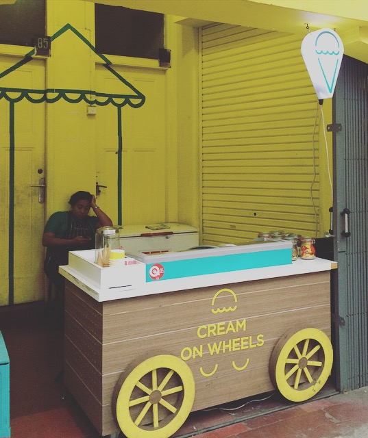 cream on wheels braga bandung